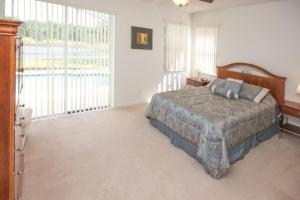 16907 Sunrise Lakes 4 Bedroom Villa, Vily  Davenport - big - 1