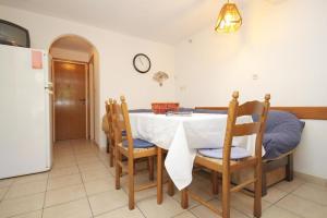 Apartment Zrnovska Banja 9226a