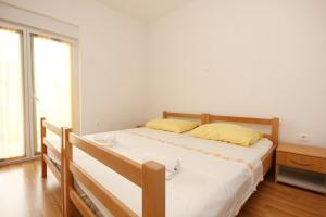 Apartment Poljica 10010c, Apartmány  Marina - big - 10