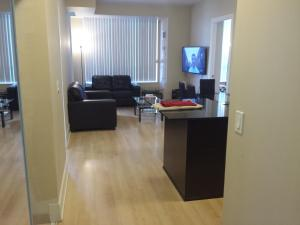 BEST LOCATION/SPECTACULAR VIEW 2 BEDROOMS FURNISHED CONDO S/L RENT