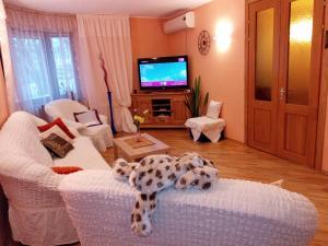Four-room apartment near metro station Victory Square, Apartmanok  Minszk - big - 2