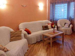 Four-room apartment near metro station Victory Square, Apartmanok  Minszk - big - 9