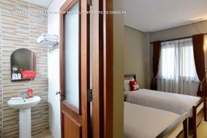 ZEN Rooms Ambarukmo Plaza Syariah, Hotels  Yogyakarta - big - 25