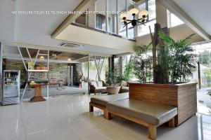 ZEN Rooms Ambarukmo Plaza Syariah, Hotels  Yogyakarta - big - 17