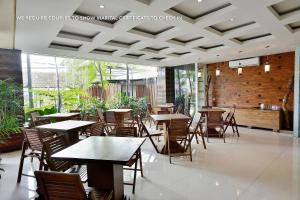 ZEN Rooms Ambarukmo Plaza Syariah, Hotels  Yogyakarta - big - 6
