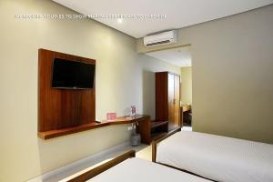 ZEN Rooms Ambarukmo Plaza Syariah, Hotels  Yogyakarta - big - 2