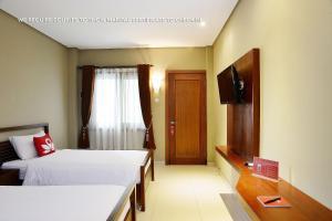 ZEN Rooms Ambarukmo Plaza Syariah, Hotels  Yogyakarta - big - 12