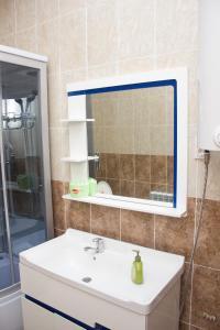 Villa Hotel, Hotely  Taraz - big - 19