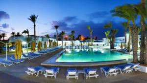 Hari Club Beach Resort - Ultra All Inclusive