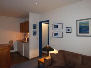GRANDE CHAUME A 61, Apartments  Enchastrayes - big - 12
