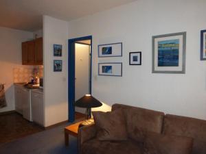 GRANDE CHAUME A 61, Apartments  Enchastrayes - big - 8