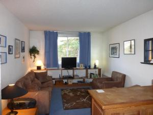 GRANDE CHAUME A 61, Apartments  Enchastrayes - big - 14