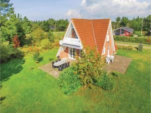 Three Bedroom Holiday Home in Skjern