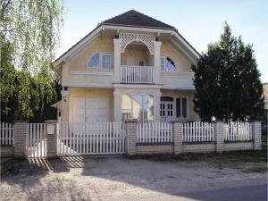 obrázek - One-Bedroom Apartment in Balatonkeresztur