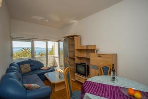 Apartment Podgora 13086c