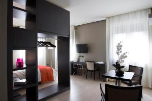Zara Rooms & Suites