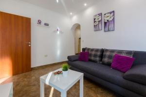 Two-Bedroom Apartment in Crikvenica XLIV, Ferienwohnungen  Crikvenica - big - 21