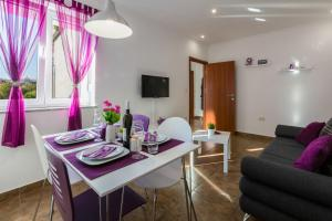 Two-Bedroom Apartment in Crikvenica XLIV, Ferienwohnungen  Crikvenica - big - 35