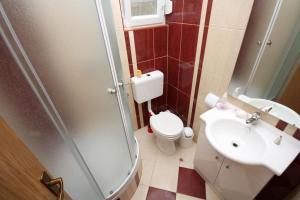 Apartment Vinisce 4886b, Apartments  Vinišće - big - 11