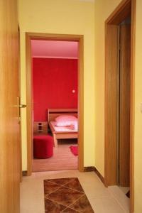 Apartment Vinisce 4886b, Apartments  Vinišće - big - 2