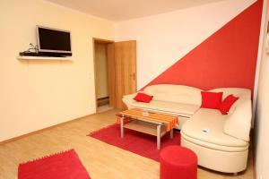 Apartment Vinisce 4886b, Apartments  Vinišće - big - 3
