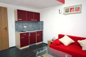 Apartment Vinisce 4886d, Ferienwohnungen  Vinišće - big - 1
