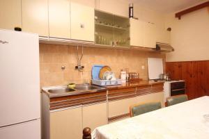 Apartment Zavalatica 545a