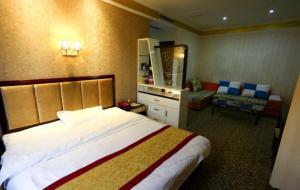 Santai Yilu Business Hotel, Отели  Santai - big - 28
