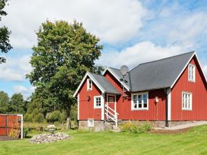 Holiday home LANDERYD, Holiday homes  Långaryd - big - 9