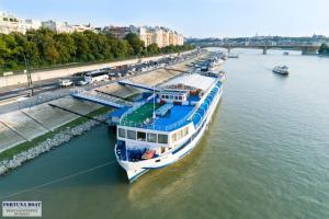 Boat Hotel Fortuna(Budapest)