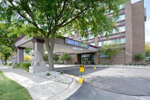 Nearby hotel : Best Western Plus Lansing