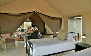 Nogatsaa Pans Lodge, Lodges  Kasane - big - 4