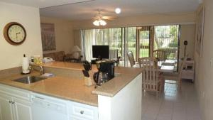 514F, Condo at Sarasota, with Pool View, Nyaralók  Siesta Key - big - 14