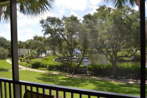 724F, Condo at Sarasota, with Pool View, Holiday homes  Siesta Key - big - 19