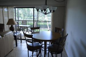 724F, Condo at Sarasota, with Pool View, Holiday homes  Siesta Key - big - 7