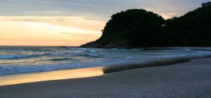 Casa na Praia do Engenho - Cond. pe na areia, Дома для отпуска  São Sebastião - big - 3