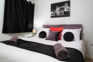 Phoenix Nights - Luxury One Bedroom Apartment