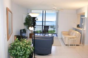 NE Island House 5750 Home, Дома для отпуска  Stuart - big - 1