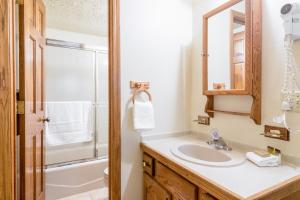 2315 Apres Ski Way Condo Unit 213 Condo - Apartment - Steamboat
