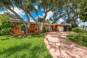 3840 N 51st Ave Home Home