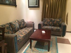 Adeem Furnished Units, Residence  Riyad - big - 5