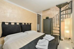 Santo Spirito Frescos apartment, Apartmány  Florencia - big - 11