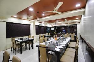 Daksh Hotel And Restaurant, Hostelek  Sasan Gir - big - 41