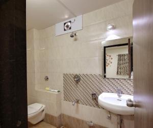 Daksh Hotel And Restaurant, Hostelek  Sasan Gir - big - 31