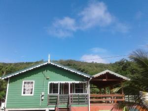 Seawind Cottage- Traditional St.Lucian Style, Case vacanze  Gros Islet - big - 1