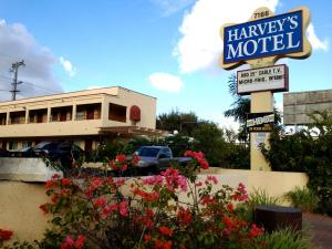 Nearby hotel : Harvey's Motel