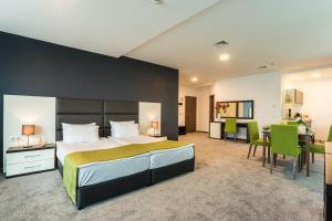 Earth & People Hotel & SPA
