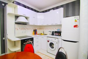 Сдаётся 2х ком квартира В Лазурном квартале, Ferienwohnungen  Astana - big - 9