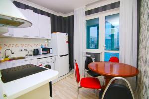 Сдаётся 2х ком квартира В Лазурном квартале, Ferienwohnungen  Astana - big - 10