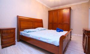 Сдаётся 2х ком квартира В Лазурном квартале, Ferienwohnungen  Astana - big - 2